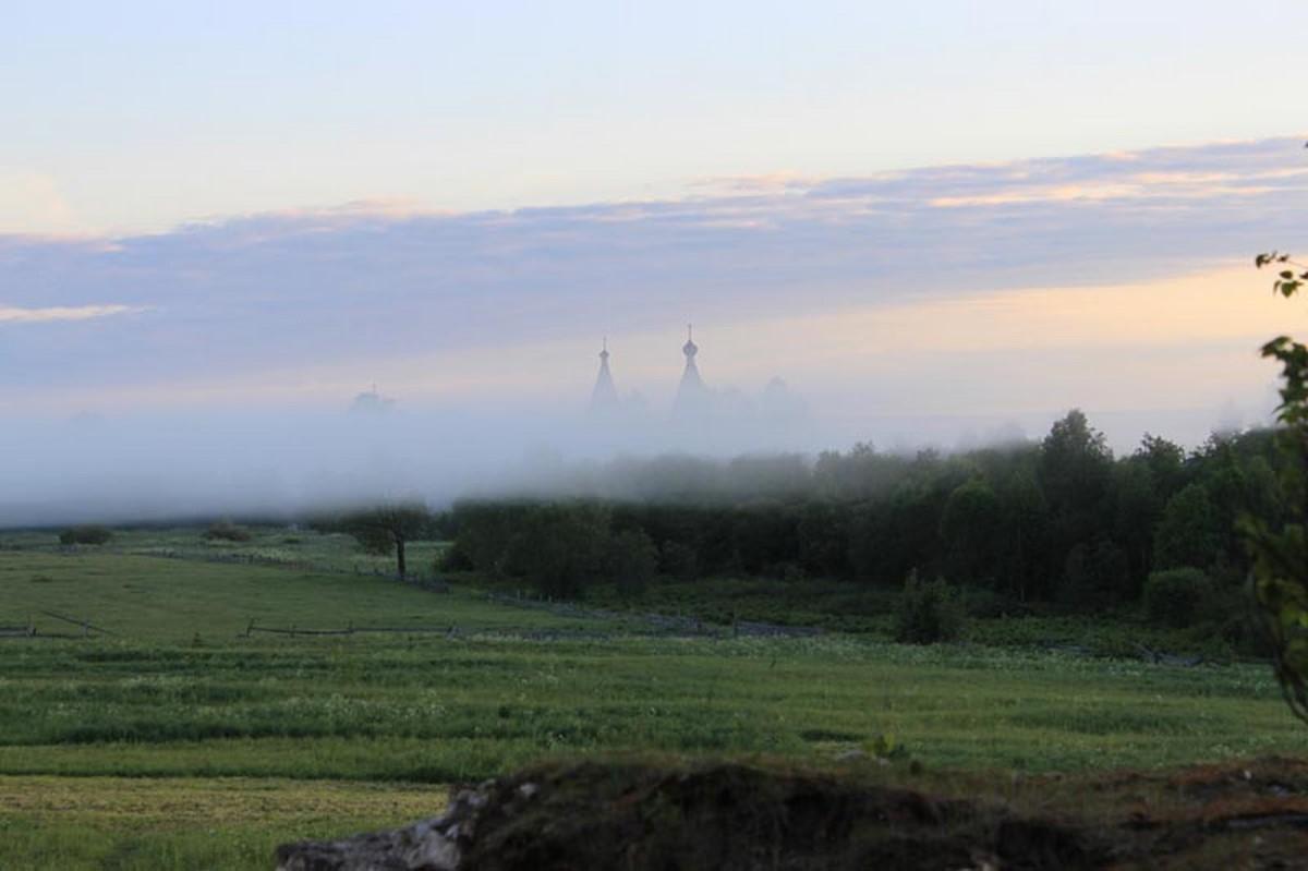 Репортаж о возвращении икон в храм села Ошевенское Архангельской области